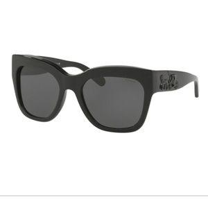 Accessories - Coach sunglasses 🕶